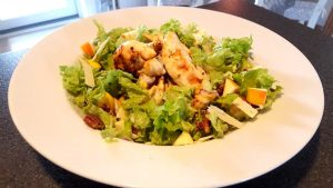cremet-kyllingesalat-for-to
